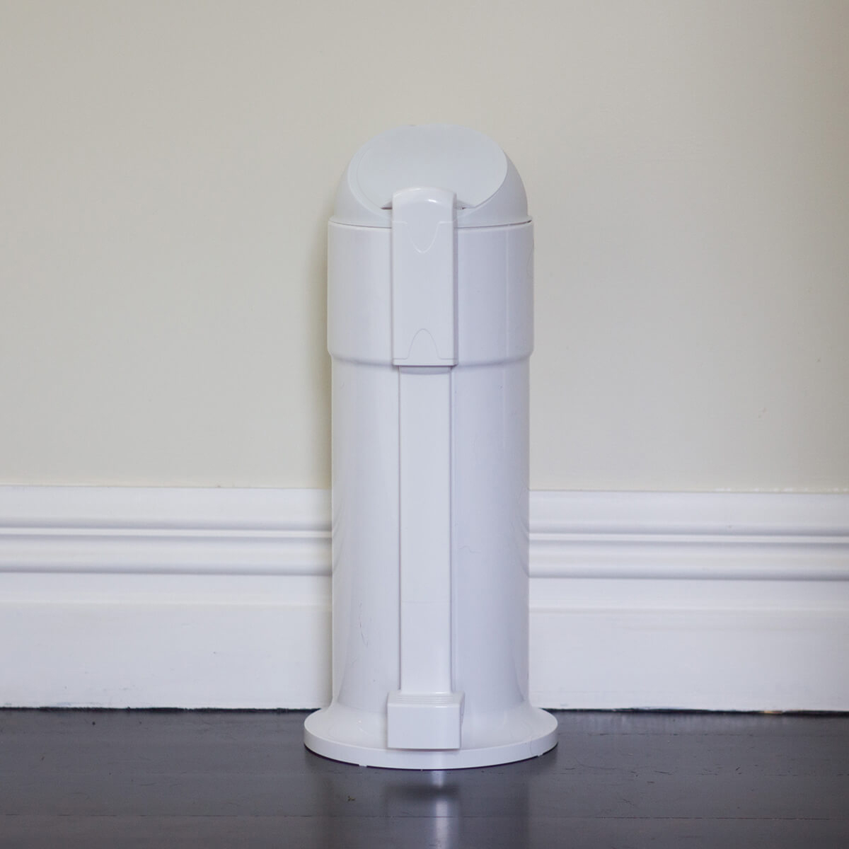White Sanitary Waste Disposal Unit with Foot-pedal (6.5 litres)